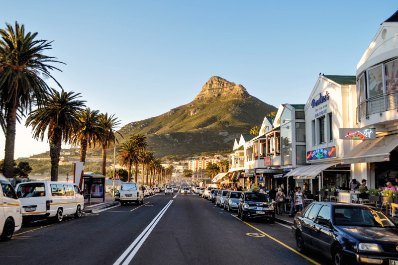 camps-bay-village-attractions-the-promenade