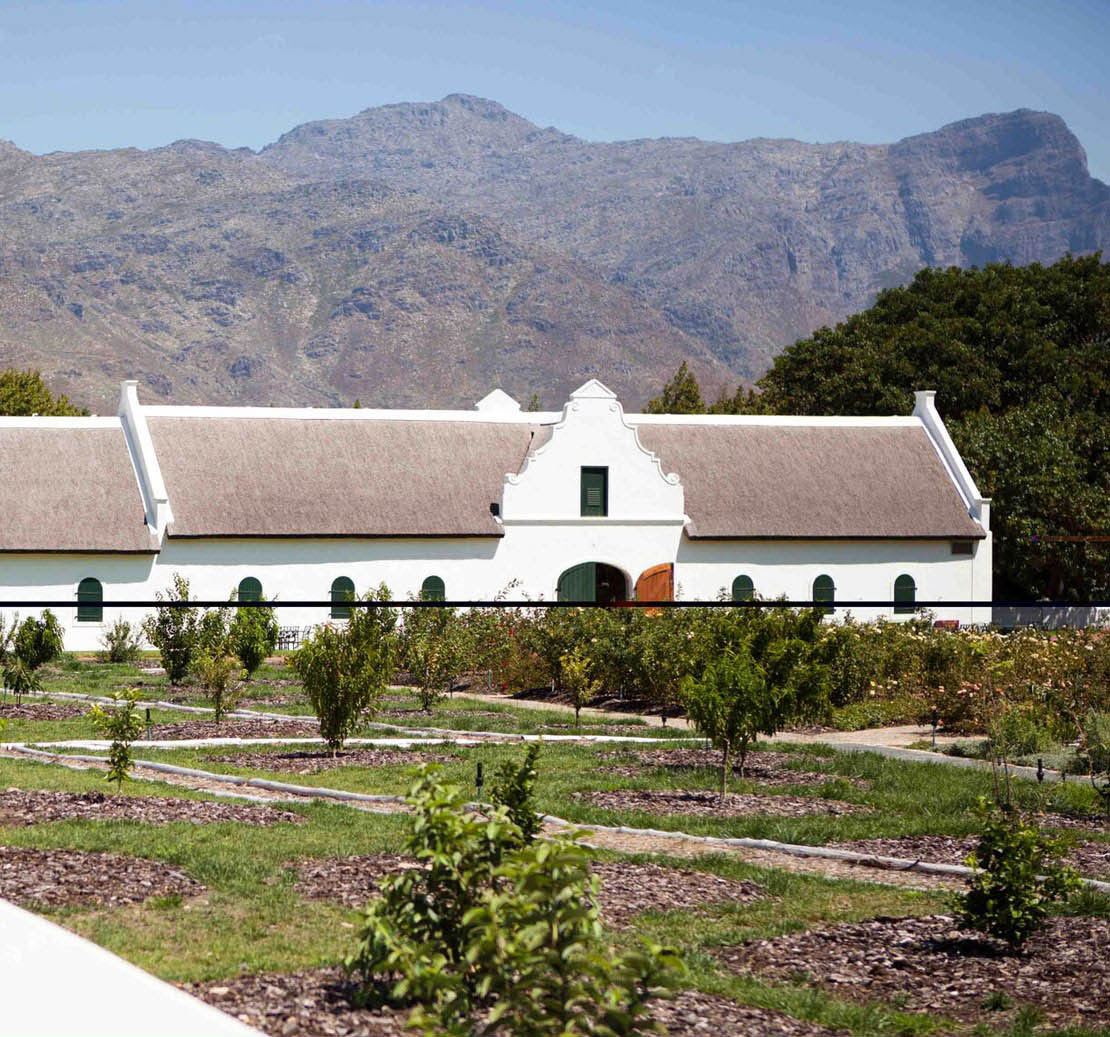 camps-bay-village-mountain-tours